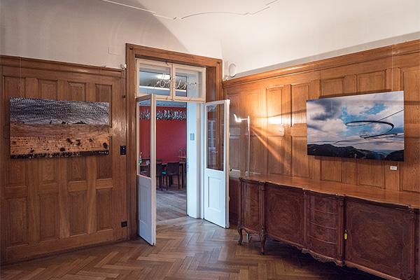 AIRLINES XVIII-4 (links) und AIRLINES XIII-3 (rechts) in der Villa Sträuli, Winterthur