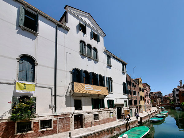 Palazzo Albrizzi-Capello, Venice