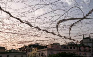 AIRLINES XIX-16 · Mauersegler und Möwen · Piazza Poderico · Neapel · 4:35 Minuten